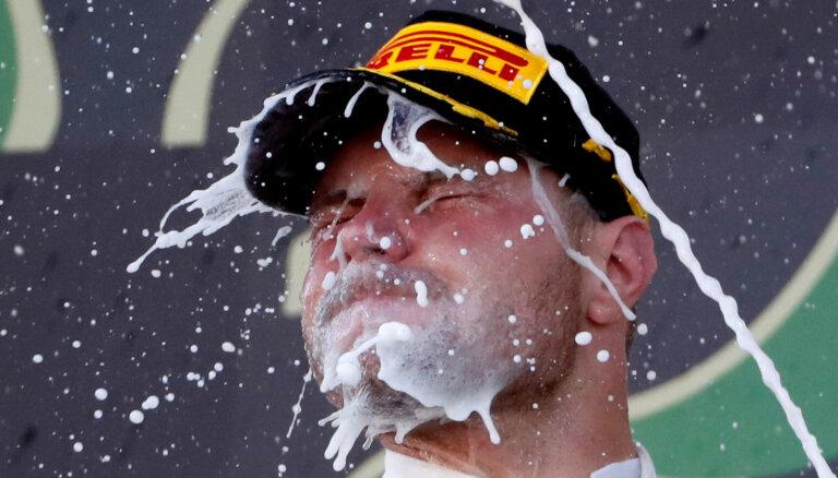 Botass izcīna uzvaru Japānas 'Grand Prix', 'Mercedes' triumfē Konstruktoru kausā