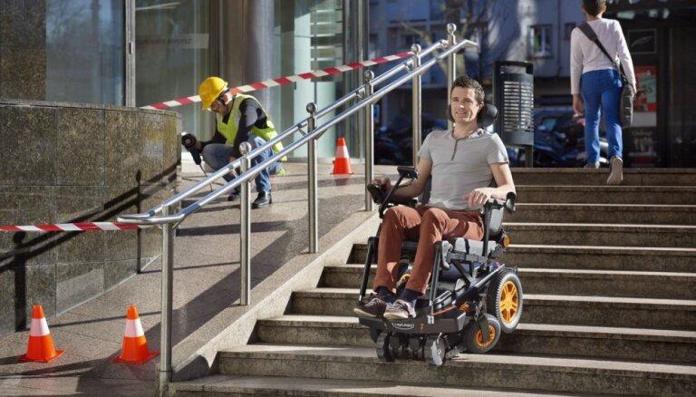 Francūzis izgudro ratiņkrēslu visurgājēju