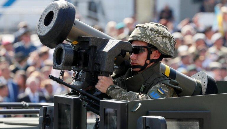 'Javelin' efekts: krievu tankisti atsakās uzbrukt ukraiņu pozīcijām, apgalvo Porošenko