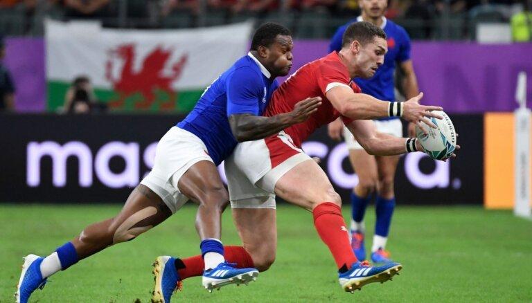 Velsas regbisti izrauj uzvaru pār Franciju un iekļūst Pasaules kausa pusfinālā