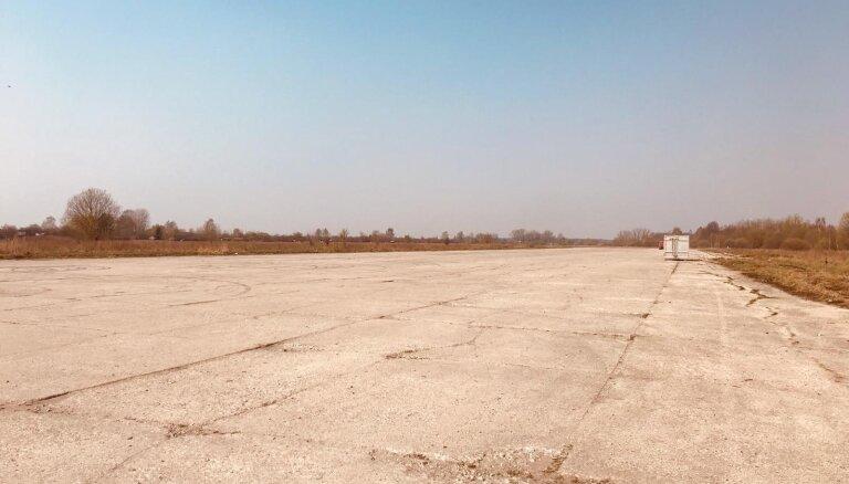 Rumbulas lidlauka teritorija atbrīvota no nelegāli izmestajām riepām
