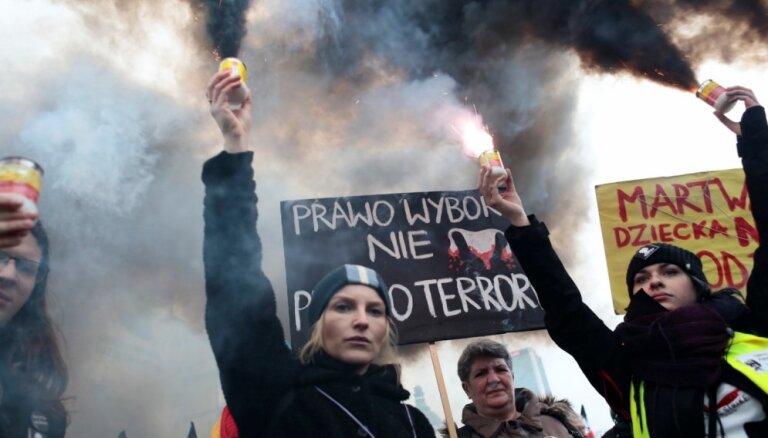 Mičels A. Orenšteins: Populisms ar sociālisma iezīmēm