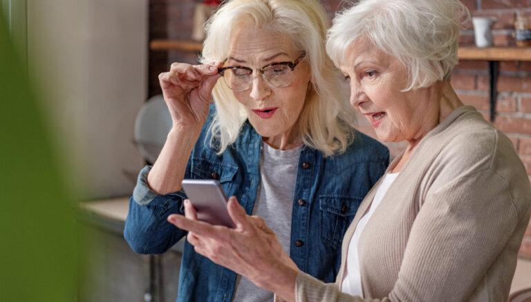 ЦСУ: в Латвии каждый четвертый работник - предпенсионного или пенсионного возраста