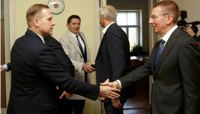 Оппозиция и KPV LV требуют отставки Кариньша