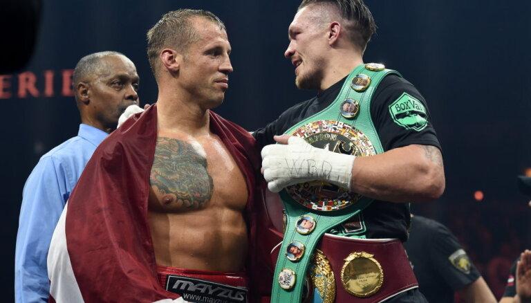 Бриедис проиграл Усику по итогам 12 зрелищных раундов и лишился чемпионского пояса WBC