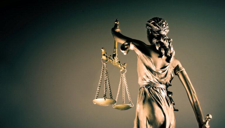 Profesors nav 'īslaicīga vajadzība' – tiesa pieliek punktu sešu gadu riņķadancim