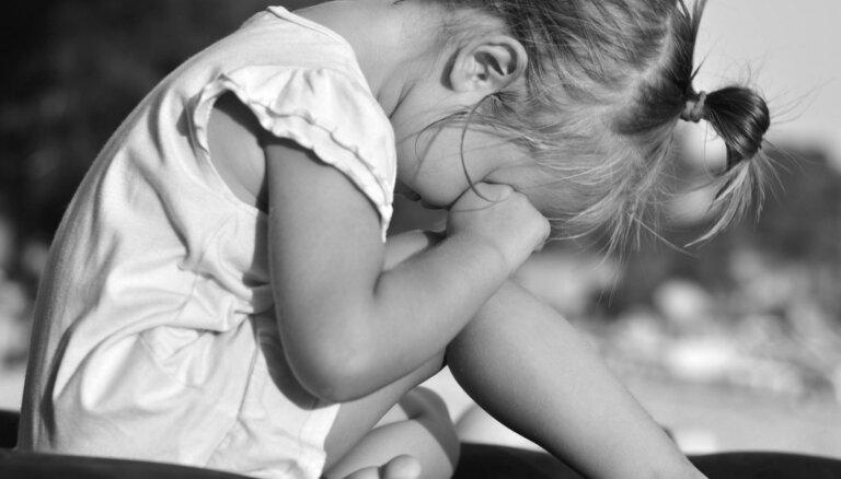 Te raud, te smejas: ko iesākt, ja bērnam bieži mainās oma