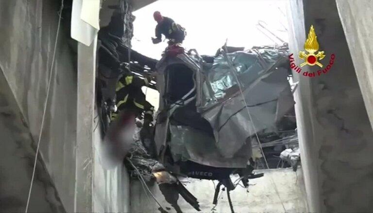 Itālijā sabrucis šosejas pārvads