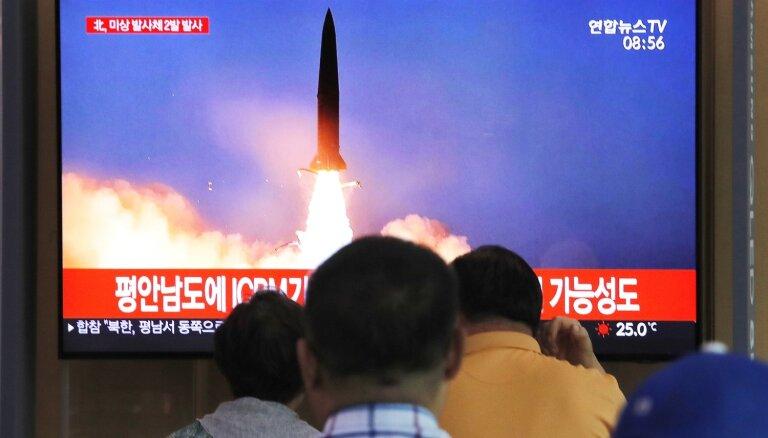 Ziemeļkoreja raida jūrā šāviņus pēc piedāvājuma atsākt sarunas ar ASV