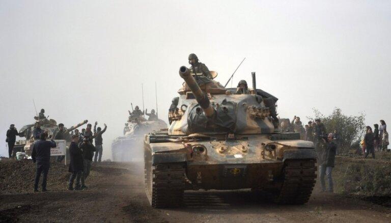 Turcija nosūtījusi papildspēkus uz Sīrijas ziemeļdaļu