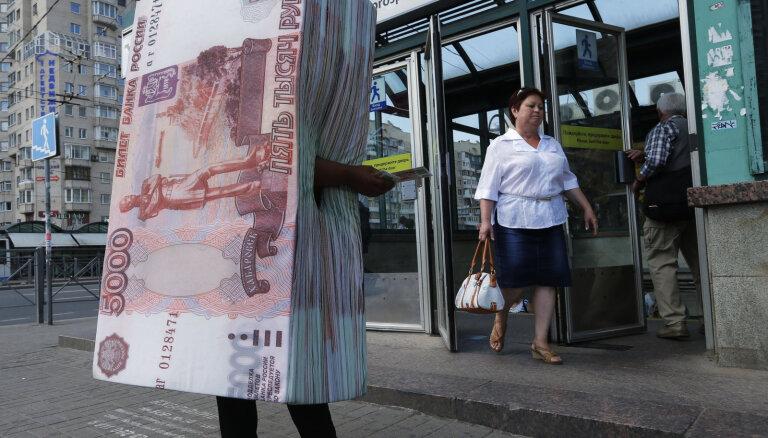 'Meduza': 'Melno kreditoru' pēdas no Maskavas ved uz Latviju