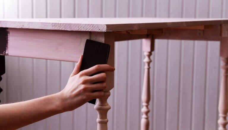Divi oriģināli veidi, kā atjaunot apnikušā galda virsmu