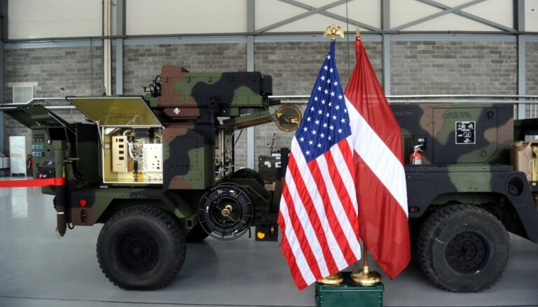 ФОТО: Армия Латвии получила от США два тактических радиолокатора