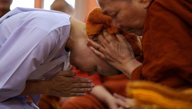 Templī Taizemē nogalināti divi mūki; vēl divi ievainoti