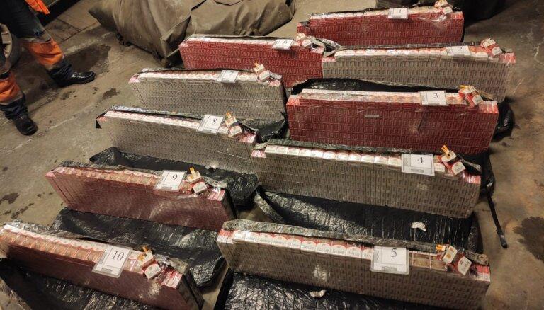 ФОТО. Пограничники изъяли 50 000 контрабандных сигарет