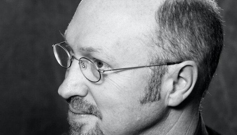 Rīgā viesosies slavenais vācu rakstnieks Burkhards Špinnens