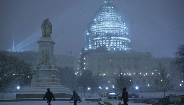 ASV sniega vētrā bojāgājušo skaits sasniedz 25 cilvēkus