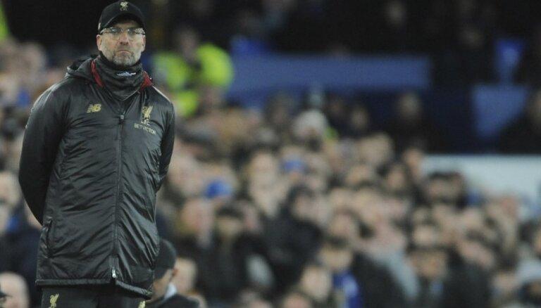 'Liverpool' negūst vārtus; atdod līderpozīciju Mančestras 'City'
