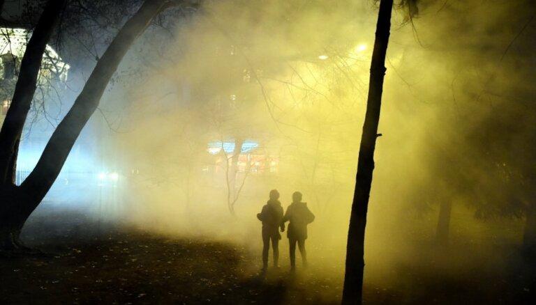 Talsos naktī pa ielu klīst puskails divgadīgs bērns