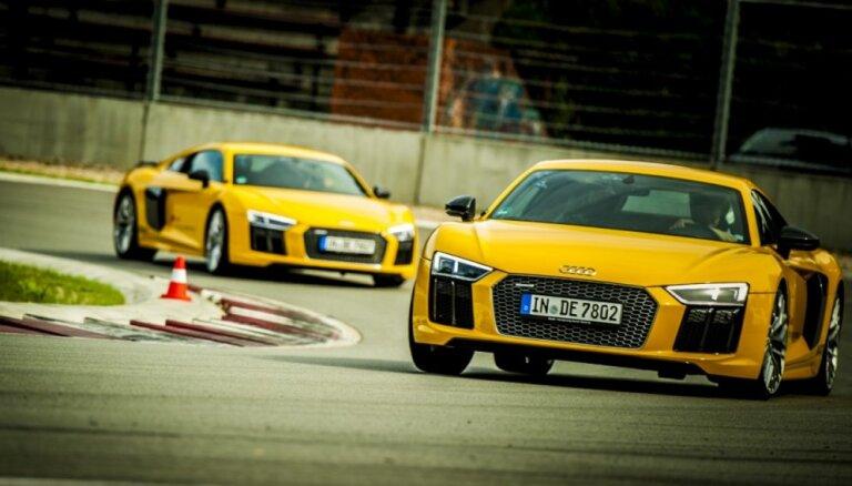 Foto: Biķerniekos aizvadīta iespaidīga 'Audi' sportisko auto programma