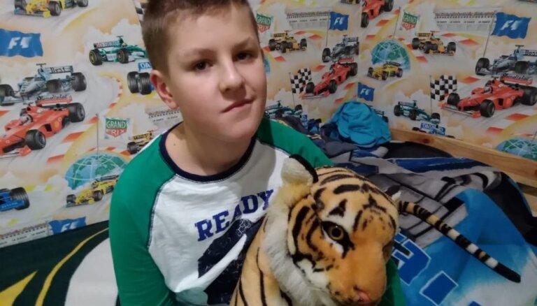 После тяжелой аварии 13-летнему Рудольфу Погоде из Саулкрасты нужна помощь для оплаты лечения