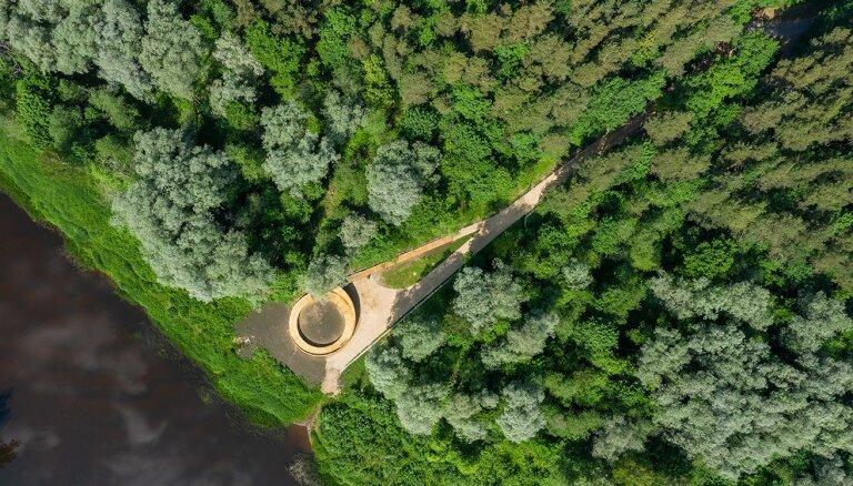 Valmierā izbūvēta jauna skatu terase
