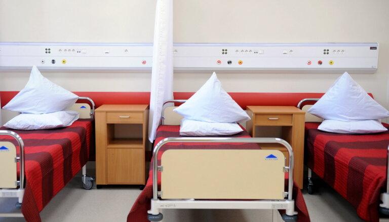 Ārstniecības personāla piesaistei Rīgā ievieš naudas kompensācijas