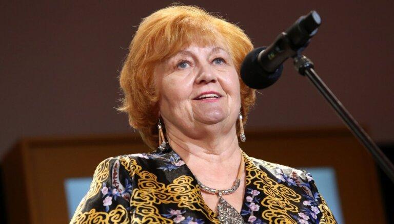 Apaļu jubileju svin Valmieras teātra aktrise Vizma Kalme