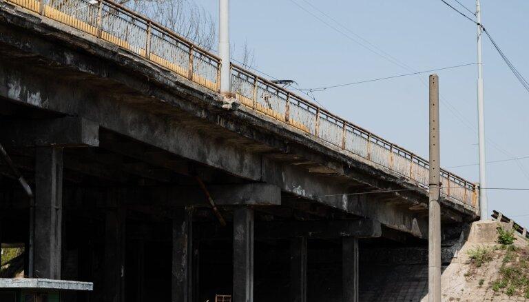 Decembra vidū plāno atklāt dzelzceļa pārbrauktuvi zem Brasas pārvada