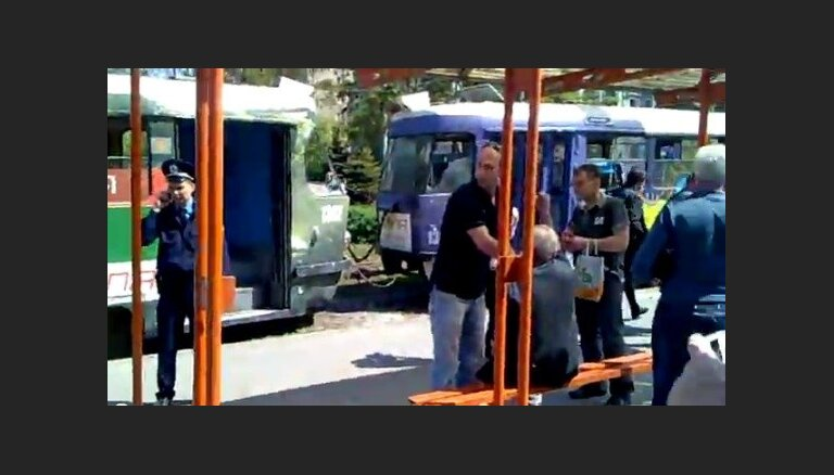 Суркис: взрывами в Днепропетровске хотят сорвать Евро-2012