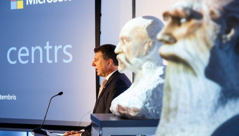 Foto: Atklāts pirmais 'Microsoft' Inovāciju centrs Baltijā un Ziemeļeiropā