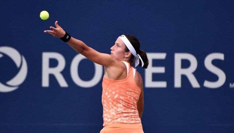 Севастова победила Гергес и вышла в четвертьфинал турнира в Монреале