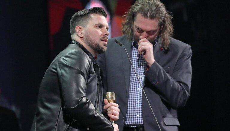 Pasniegti 'Zelta mikrofoni'; gada labākais albums – Busulim un 'Abonementa orķestrim'