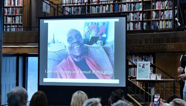 'Alternatīvo Nobeli' literatūrā saņem Marize Kondi no Gvadelupas
