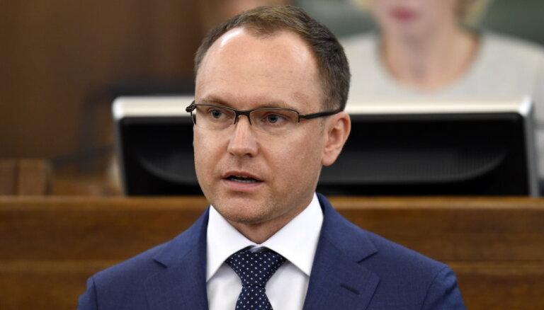 Saldinātajiem dzērieniem būs paaugstināts akcīzes nodoklis, lemj Saeima