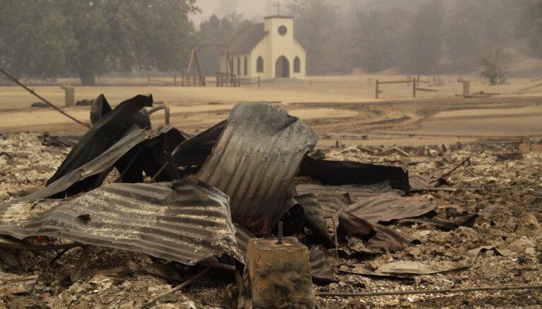 """Пожар уничтожил ранчо Paramount, где снимали """"Мир Дикого Запада"""""""