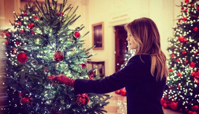 Foto: Kā Melānija Trampa saposusi Balto namu Ziemassvētkiem