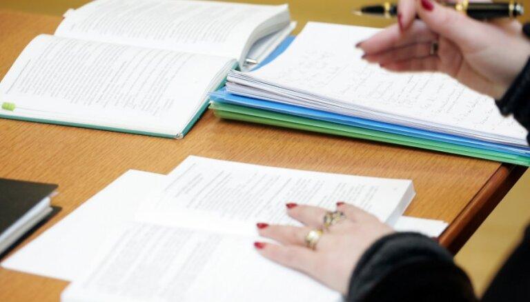'Nepilsoņu referenduma' lēmuma vētīšanai tiesa prasīs dokumentus no CVK