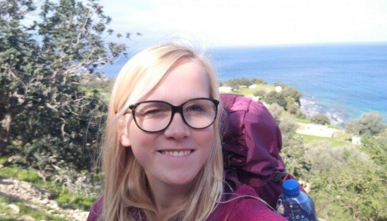 Vienatnē un ar telti: Zanes ceļojums, iepazīstot Kipru un sevi