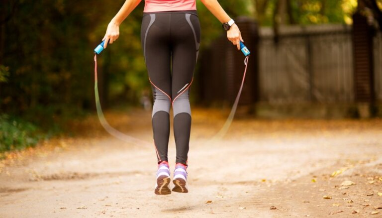 Pieci kardio treniņi, ar kuriem aizstāt skriešanu