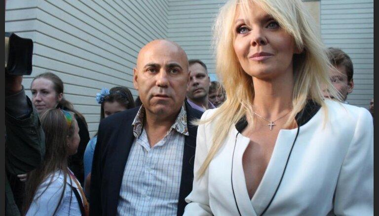 Пригожин и Валерия отказались от подписей в поддержку присоединения Крыма двухлетней давности