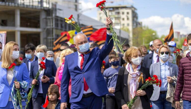 Dodons pirms Moldovas vēlēšanām metas cīņā pret viendzimuma attiecībām
