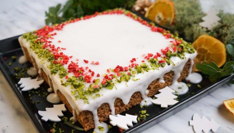 Кекс с ароматом пипаркукас и глазурью