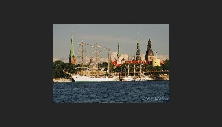 'Tall Ship Race' flotē daudzi no Latvijas