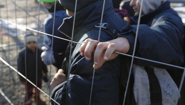 Министр: в Латвии процветает контрабанда людей, за год задержано 80 человек