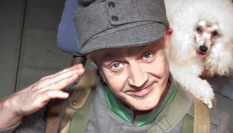 'Padevīgi ziņoju, ka es jūs pazīstu'. Krietnā kareivja Šveika gaitas Latvijas teātros