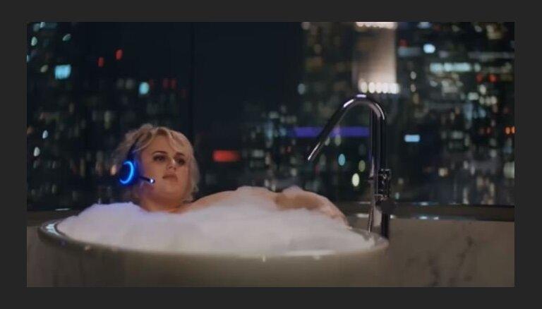 'Alexa' vannā, 'Krokodils Dandijs' un citas dīvainības – reklāmas, kas pārsteidza 'Super Bowl'