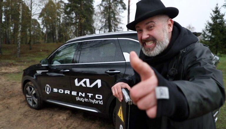 Video: Elvijs Grafcovs izmēģina 'Kia Sorento' uzlādējamo hibrīda apvidnieku