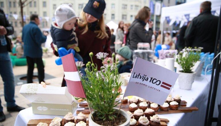 Plaši svinēs Latvijas neatkarības atjaunošanai veltītos 'Baltā galdauta svētkus'