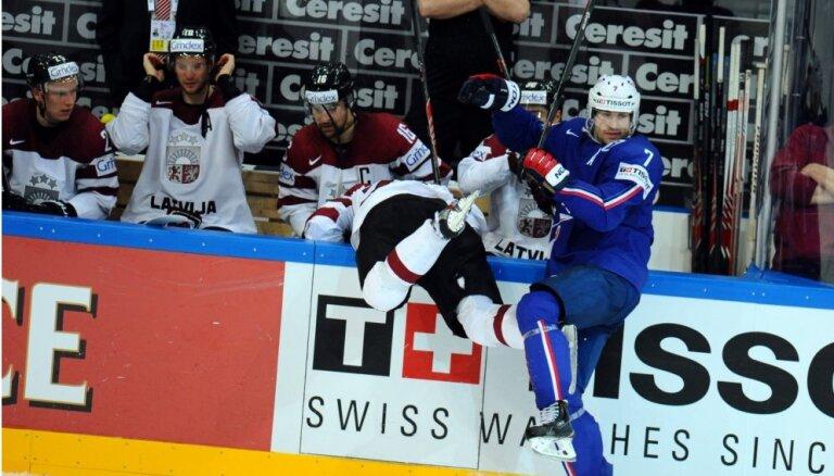 IIHF neatrod neko aizdomīgu Latvijas un Francijas hokeja izlašu spēlē